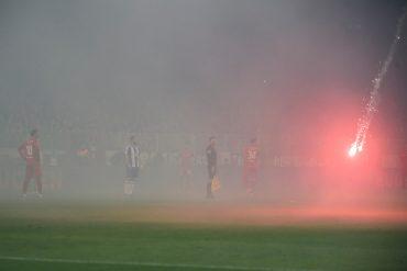 02.11.2019, xkvx, Fussball 1.Bundesliga, Union Berlin - Hertha BSC Berlin emspor, v.l. Hertha BSC Fans brennen Pyro / P