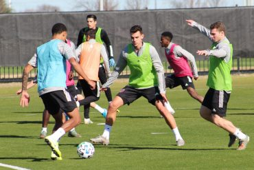 Johnny Nelson (r) and Callum Montgomery (c) challenge Bryan Reynolds in a Rondo during the opening practice of the 2020 FC Dallas preseason (Dan Crooke)