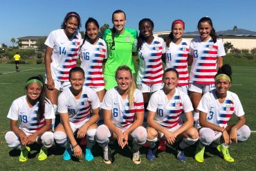 Samar Guidry (4) in a team photo with a US national team
