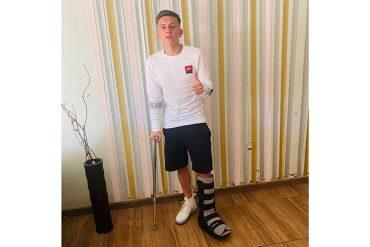 Aranguiz broken foot Sept 2020 _wide